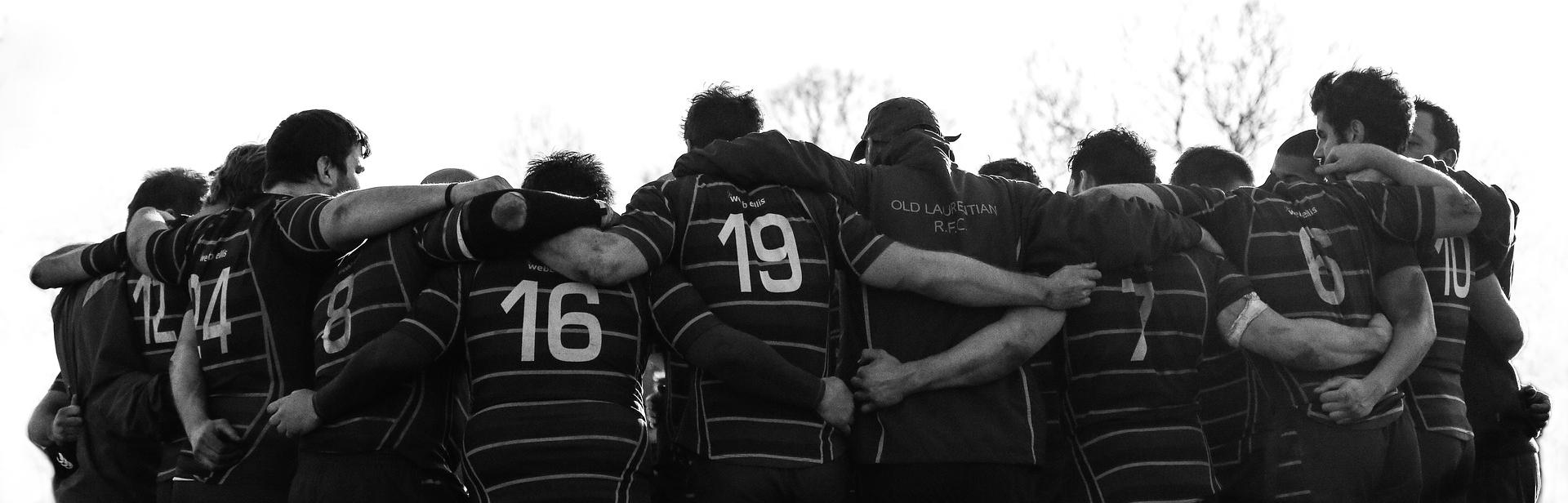 Der Begriff Scrum ist dem englischen Rugby Sport entlehnt und bedeutet Geordnetes Gedränge